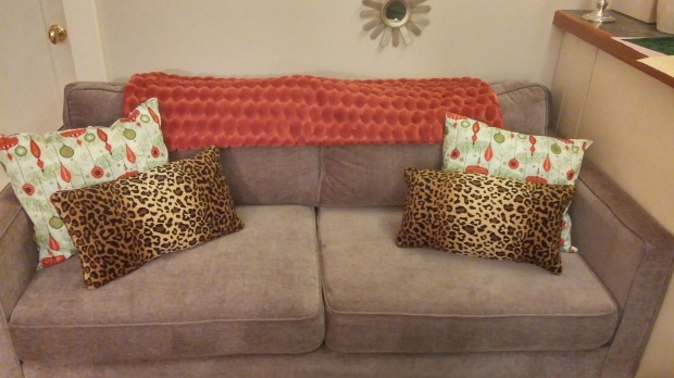 Christmas Couch 2 Ways (10)