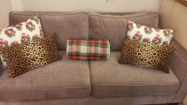 Christmas Couch 2 Ways (14)