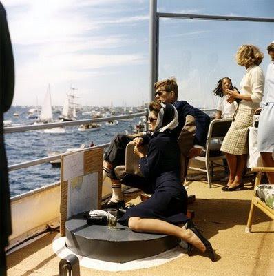 16. kennedys sailing habituallychic